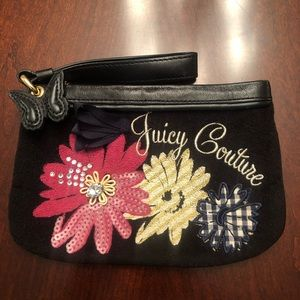 Juicy Couture Bags - NWOT 🔥 JUICY COUTURE WRISTLET 💙